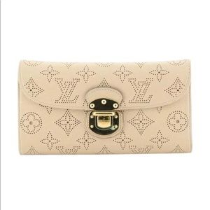 Louis Vuitton Mahina Amelia Beige Leather Wallet